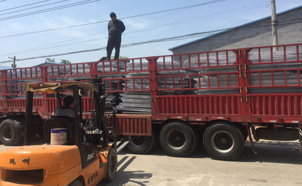 南京热镀锌钢格栅板规
