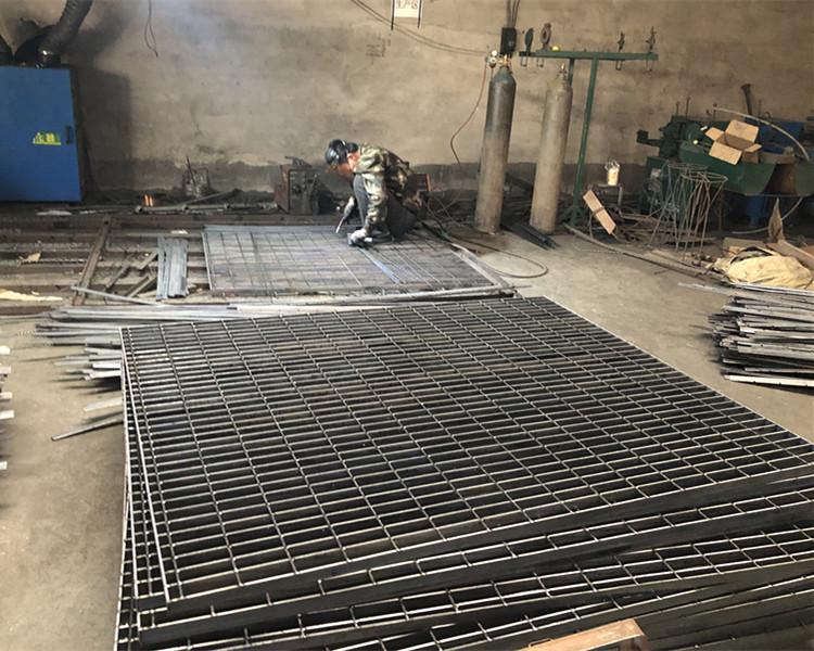 热浸锌格栅板已发往山东济南市