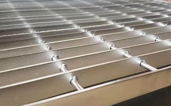 不锈钢钢格板